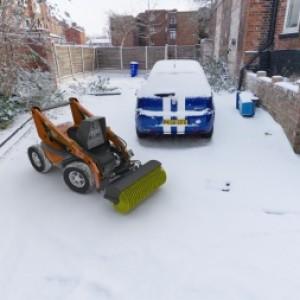 Robot snow blower