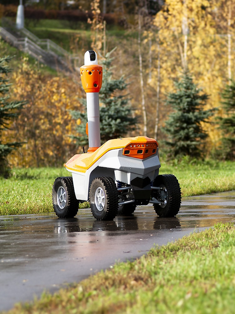 New generation outdoor mobile robots