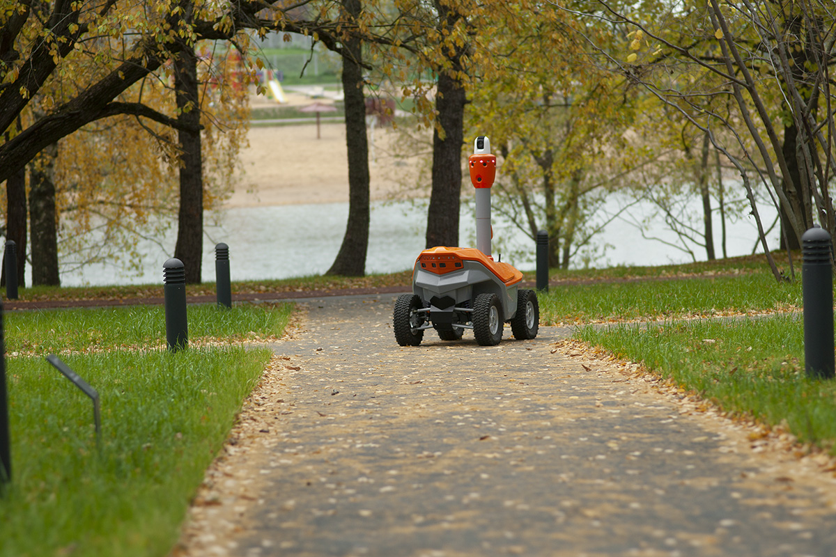 Security surveillance robot with human detection S5.2