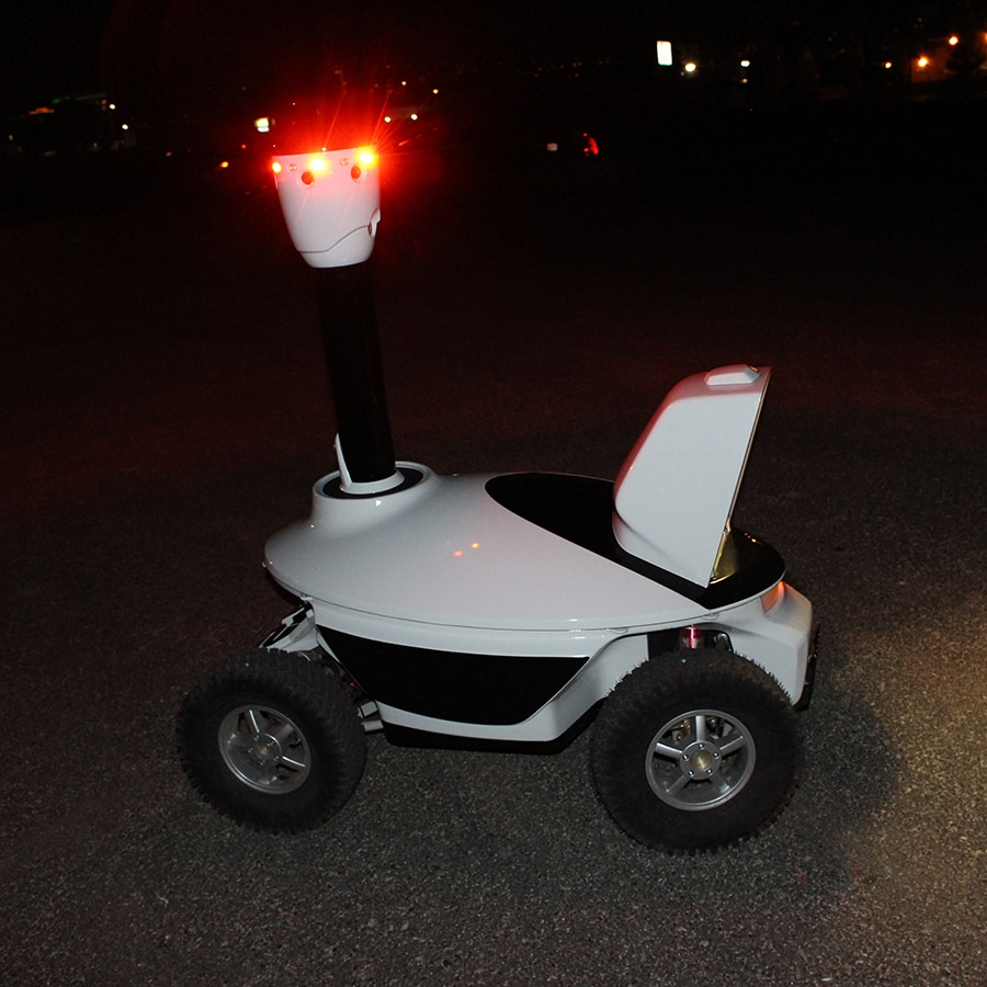Day and night security_patrolling_robot