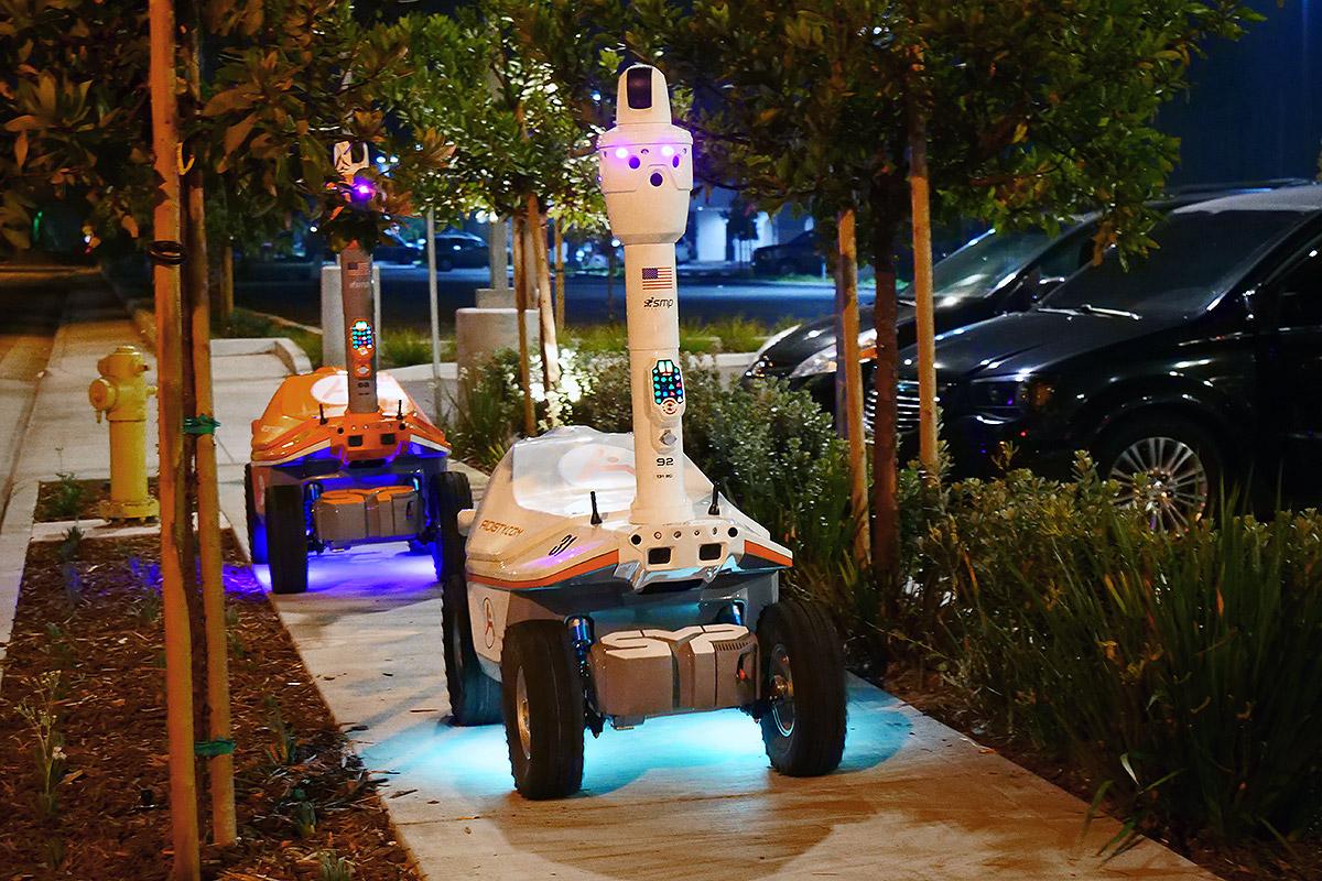 Coronavirus security robots