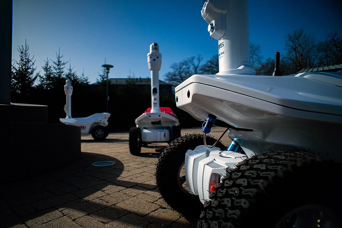Security robots 2021